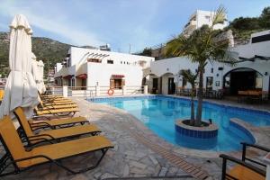 Гостиница 1400 m² на Крите