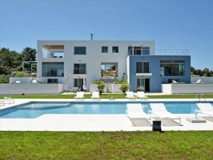 Вилла 470 m² на о. Корфу