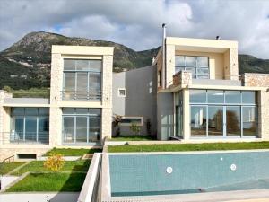 Вилла 330 m² на о. Корфу