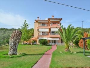 Гостиница 300 m² Эвия