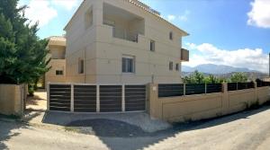 Коттедж 210 m² на Крите