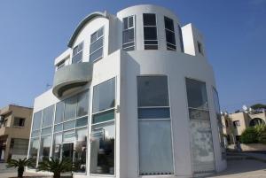 Бизнес 1010 m² на Кипре